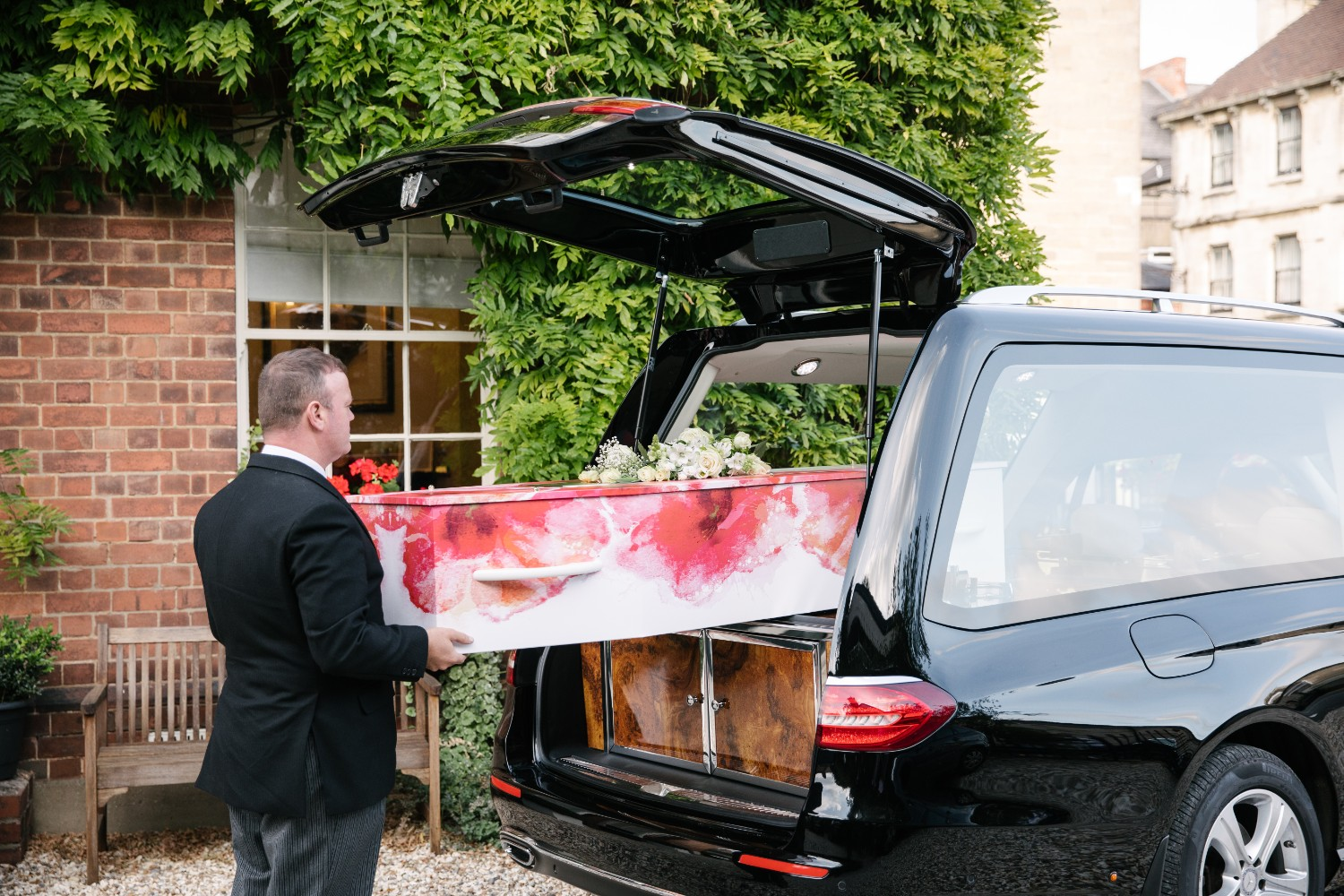 Lighter coffins could help your funeral business reduce workplace injuries